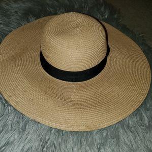Floppy Beach Straw Hat - Camel or Beige
